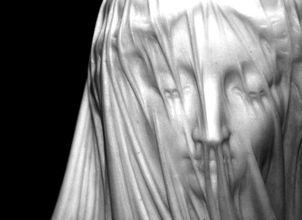 Né avec le voile de la Vierge