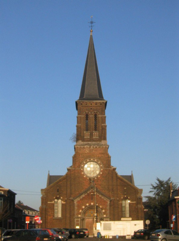 Le tour de nos églises: l'église Saint-Pierre de La Neuville.