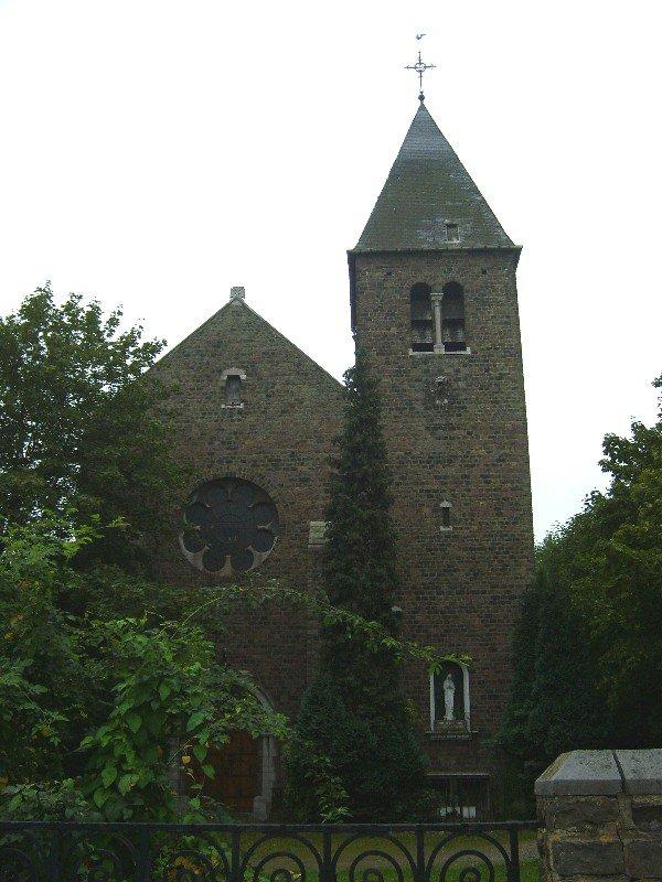 Une église sur le territoire de Montignies: l'église du Corbeau