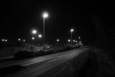 sur le bord de la route