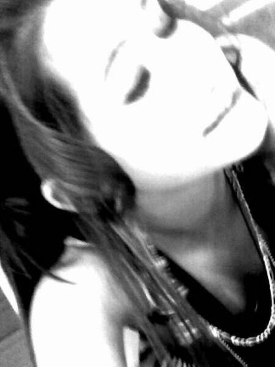 0FFiSHƋLxKLƋRƋ' _ ♥.  - xGUEEiYSHƋ, TƋH SƋH C0USiNE ;).