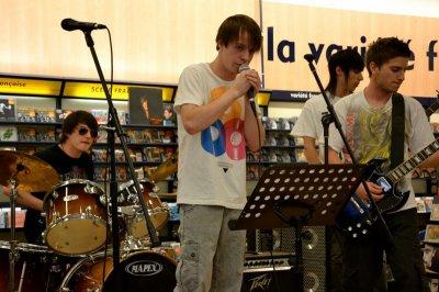 THE LOST ROCK  show case au magasin cultura !!