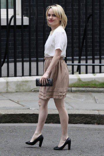 """Duffy assisté à une réunion organisée par l'organisme de bienfaisance """" Save The Children : Aide à l'enfance """" à Londres, le 29 mars 2011."""