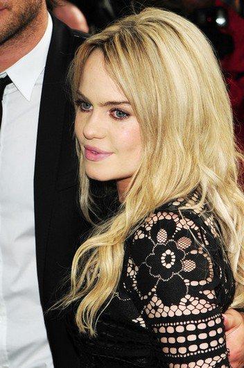 Duffy ultra excitante dans une robe transparente lors de la cérémonie des Glamour Women Of The Year à Londres, le 8 juin 2010.