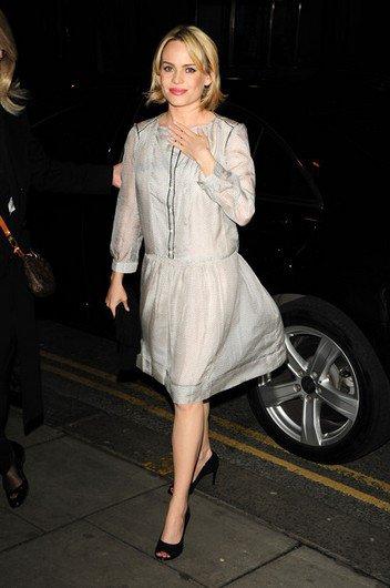 """Duffy arborait une robe transparente à l'avant-première de """"Patagonia"""" à Londres."""