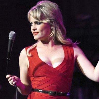 Le décolleté vertigineux de Duffy était en concert à l'Orpheum Theatre de Vancouver, le 16 octobre 2008.