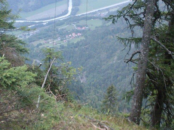 vue depuis le pylône de la falaise, y a une sacrée descente!!!