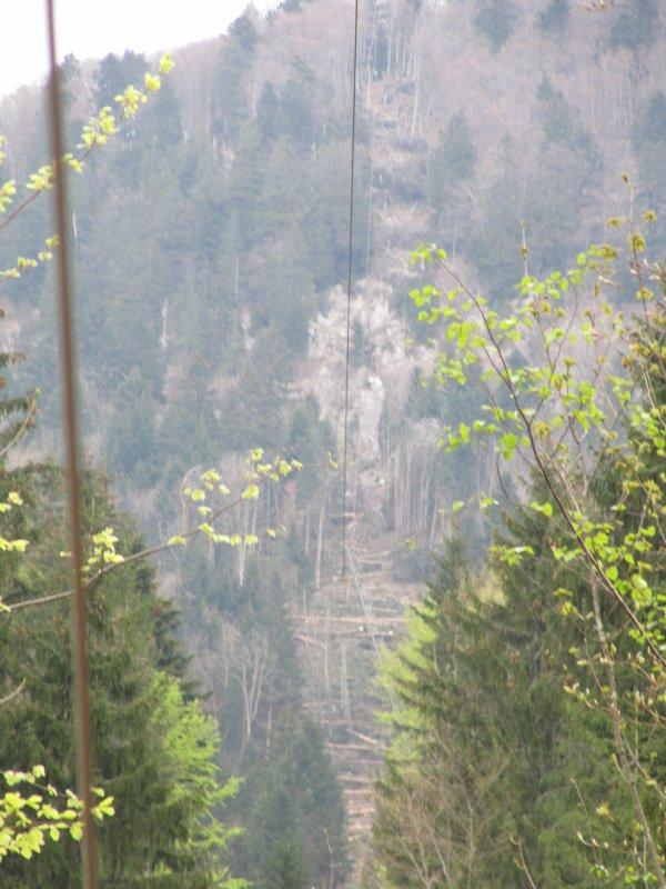 apercu de la ligne avec un pylône metallique