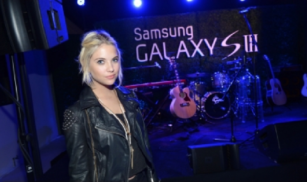 21/06/12 : Ashley était invitée à la soirée de lancement du nouveau smartphone de Samsung, le Galaxy S III, qui avait lieu à Los Angeles.