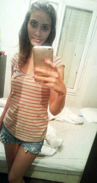 Moi avec mes cheveux lissé