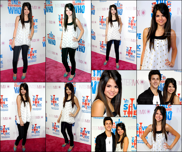 . 06/08/08 - Selena Gomez s'est rendue avec David Henrie  à l'événement VH1 Rock Honors situé à Los Angeles.  Plus tôt dans la même journée, Selena Gomez a été aperçue sortant d'un studio. Probablement situé à Los Angeles. Plutôt top ou flop?.