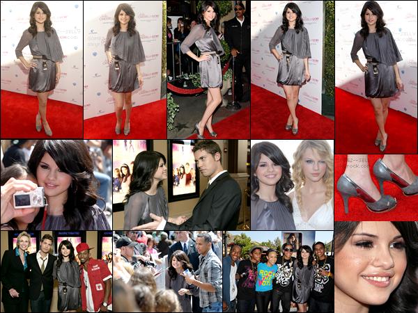 . 14/08/08 - Selena Gomez était à l'avant-première du film Comme Cendrillon 2 à Los Angeles avec ses co-stars.  .