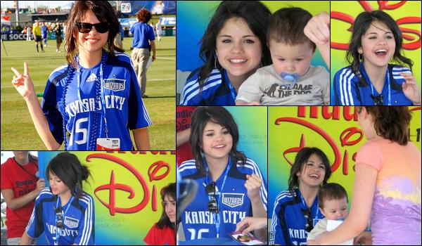. 28/06/08 - Selly était présente à un Meet & Greet lors d'un événement Wizard Game se déroulant à Kansas City.