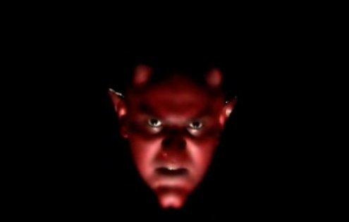 Ferme la porte au diable, ne le laisse pas se jouir de toi !