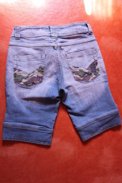 Corsaire en jean , taille 34/36.