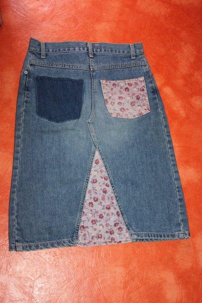 Jupe en jeans .