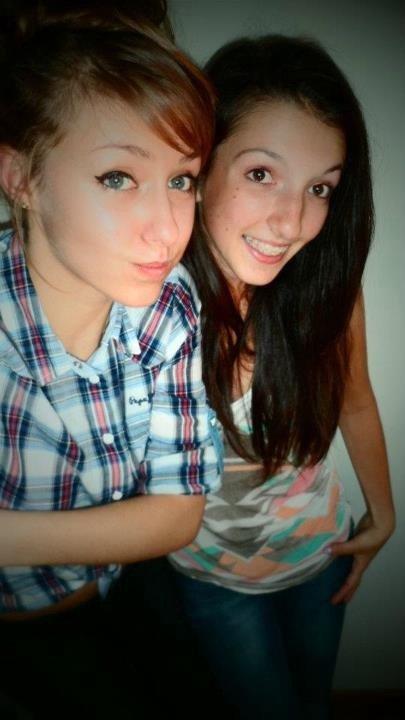 Emma & Anaïs.
