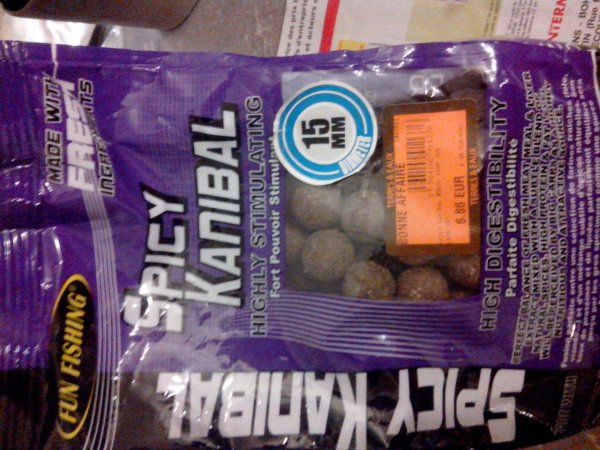 Bouillette spicy kanibal  de chez fun fishing