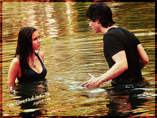""". Nouveau Still du 3x02 """"The Hybrid"""" de Vampire Diaries vient d'apparaître avec Damon et Elena (l)."""