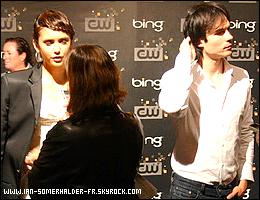 . 10 Septembre 2010 - Plus tôt dans la journée, Ian a été aperçu arrivant à l'aéroport de LAX accompagné de Nina et de Candice pour assister avec le reste du Cast à la party organisée par The CW le soir même..