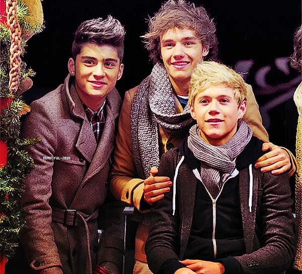 16 Novembre - Z. et les autres membres des One Direction étaient dans un parcd'attractionà Londres.