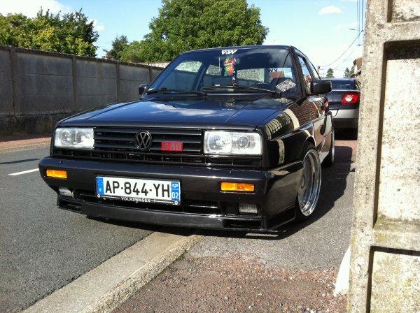 une photo de la voiture de mon papa