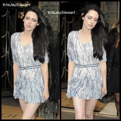 """~ 18 septembre 2011-Quelle bonne surprise de retrouver Kris' au défilé """"Mulberry"""" Les cheveux longs lui vont à merveille franchement ont peut qu'aimer ♥"""
