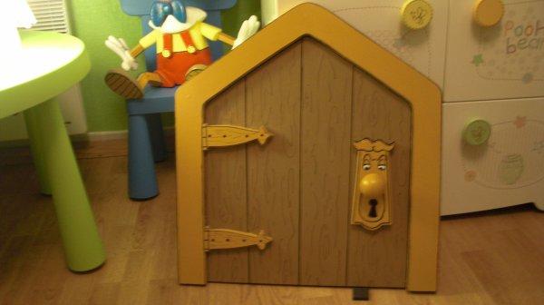 decor de alice au pays des merveilles pour chambre d 39 enfant just alive. Black Bedroom Furniture Sets. Home Design Ideas