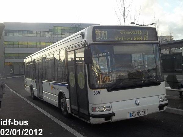 Réseau Phébus groupe Kéolis,ligne CVM,bus Renault Agora Line n°835 à Massy-Palaiseau RER