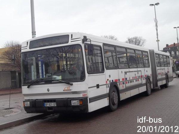 Réseau CIF Groupe Kéolis ligne 15,bus Renault RVI PR118 à Aulnay-Sous-Bois RER