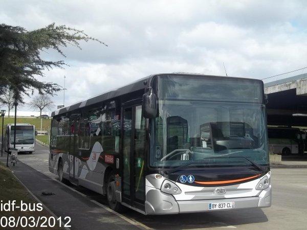 Réseau Bus Val d'Oise,bus Heuliez GX327 STIF-Mobilien de la ligne 95.02