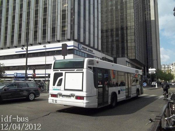Réseau V.A.S. groupe Kéolis,ligne Navette SNCF gare de Paris-Bercy,bus Heuliez-bus GX317 à 3 portes