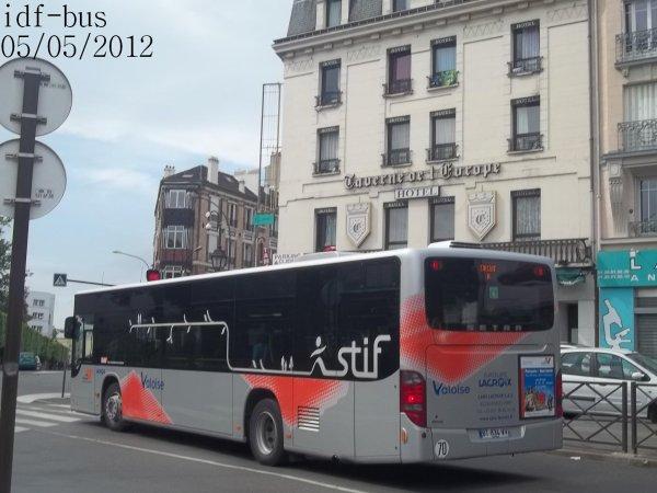Réseau Valoise groupe Lacroix,ligne 95-19,bus Setra S415 NF à Gare d'Argenteuil