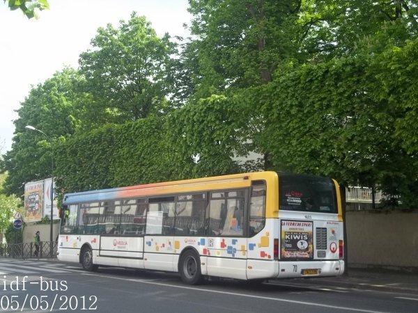Réseau Véolia transport R'Bus TVO,bus Renault Agora Line à Gare d'Argenteuil