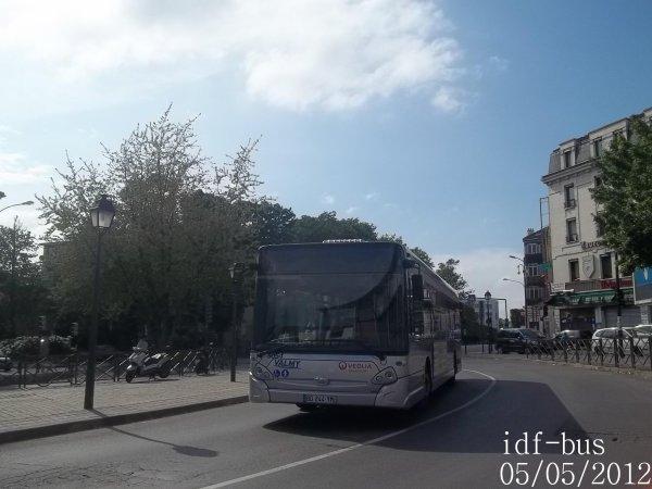 Réseau Véolia transport Valmy TVO,bus Heuliez-bus GX327 STIF à Gare d'Argenteuil