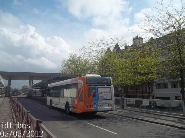 Réseau Véolia transport R'Bus TVO,ligne 92,bus Heuliez-Bus GX327 Mobilien à Gare d'Argenteuil