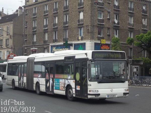 Réseau Véolia transport STRAV,ligne J2,bus irisbus-Renault Agora L ¤3 clim à Villeneuve-Saint-Georges RER