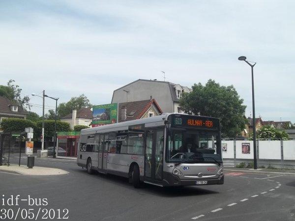 Réseau Véolia transport TRA,ligne 613,bus Heuliez-Bus GX 327 à Chelles-Gournay RER