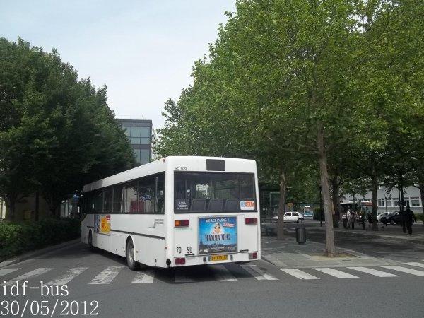 Réseau Transdev Apolo 7,bus Mercedes O405 à Chelles-Gournay RER