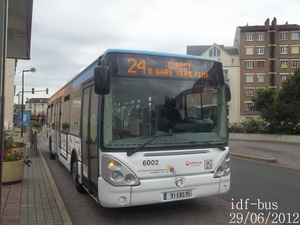 Réseau Véolia transport R'Bus TVO,bus irisbus Citelis Line clim à Gare de Houilles-Carrières-sur-Seine