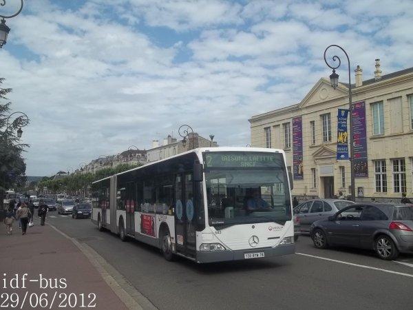 Réseau Véolia transport Conflans,bus Mercedes-Benz-Evobus Citaro G à Gare de Maisons-Laffitte