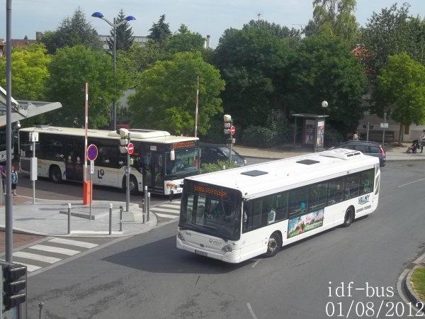 Quelques bus à la gare d'Ermont-Eaubonne RER-SNCF
