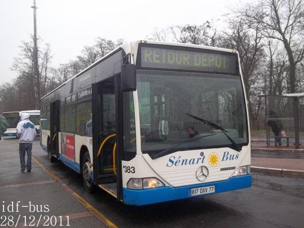 Quelques bus en gare de Combs-La Ville-Quincy