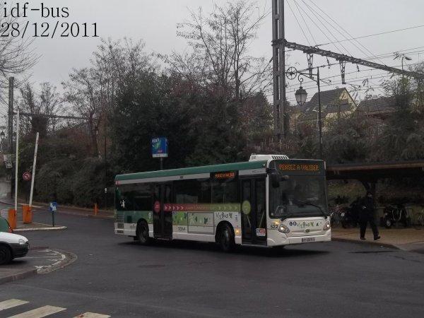 Quelques bus en gare de Yerres et de Brunoy
