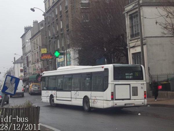 Quelques bus en gare de Villeneuve-Saint-Georges