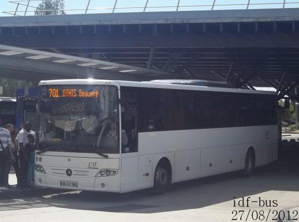 Quelques bus à Aéroport de Roissy-CDG 1 RER-Roissypôle