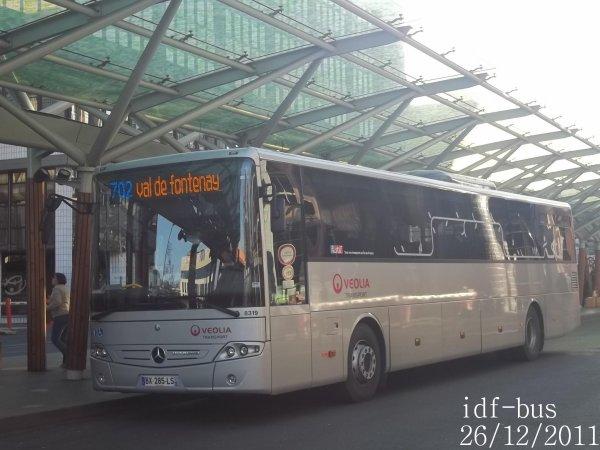 Réseau Véolia Transport Les Autobus du Fort,autocar Mercedes-Benz intouro de la ligne 702express