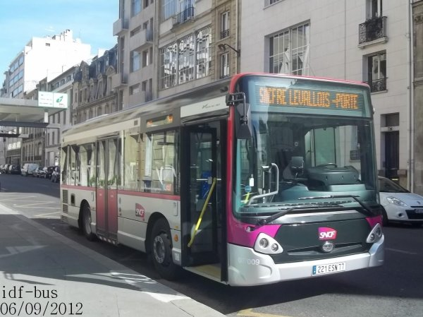 Réseau CIF groupe Kéolis,navette Pereire / Pont-Cardinet,bus Heuliez-Bus GX127L STIF-SNCF