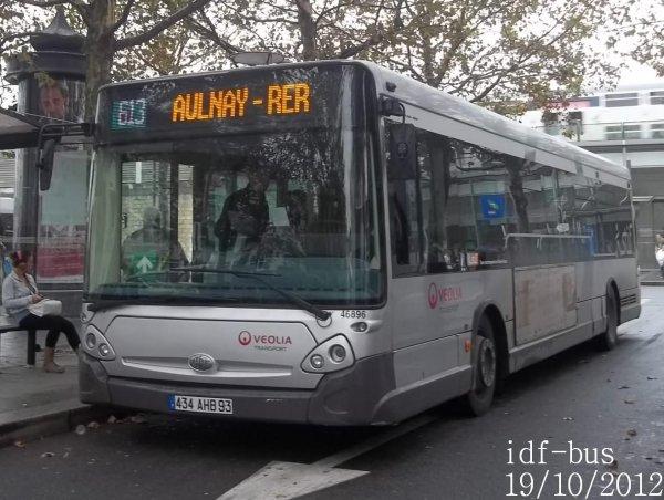 Réseau Véolia Transport TRA,quelques bus de la ligne 613 à Chelles-Gournay RER