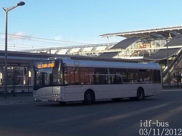 Quelques bus à Massy-Palaiseau RER B-Atlantis